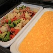 温野菜・スクランブルエッグ