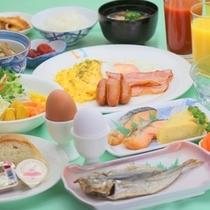 彩り鮮やかな朝食。和食&洋食モーニングバイキング
