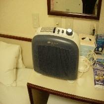 空気清浄機(窓無しルーム全室に完備)