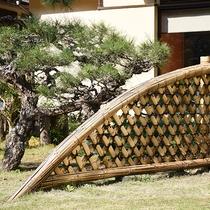 *【日本庭園】松が美しい庭園は散策もできます