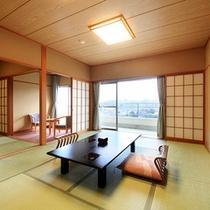 ひのき亭…和室10〜12畳+控間4.5畳、広縁、バルコニー、バス。トイレ付。禁煙室もあります