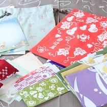 オリジナル商品…手拭い、巾着袋、竹炭消臭剤、絵はがき等、可愛らしいデザインが人気です。