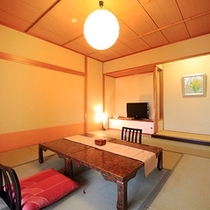 麗景館『ティアラ』…和室10畳、バルコニー、バス・トイレ付。麗景館の通常和室も同じ広さです。