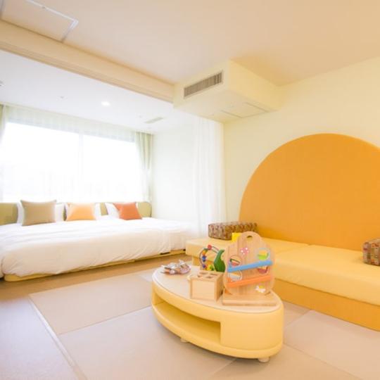 ベビールーム:0歳〜2歳のお子様対象のお部屋 写真提供:楽天トラベル