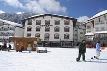 スキー場はサンバレー。リフト乗り場までは0分