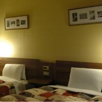 ツインスタンダードは全て角部屋で広々としたスペースのお部屋です