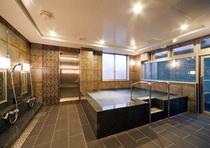 男性大浴場全景