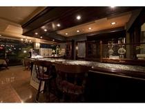 喫茶室のカウンターバー