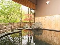 天然温泉掛け流し露天風呂