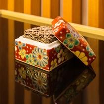 """コンセプトフロア""""麗""""-kanazawa 限定九谷焼の器の置きお香"""