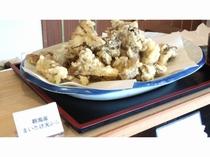夕食ビュッフェ例(群馬産まいたけ天ぷら)