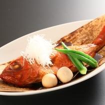 まるごと一匹、金目鯛の姿煮(2~3名で1匹)