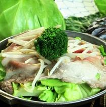 【スタンダード】<嬬恋高原キャベツ><上州もち豚>を使った 陶板焼き