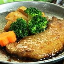 【リーズナブル】<上州もち豚 ポークソテー>特製ダレで食べる!