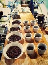 朝食時には自家焙煎のコーヒーを無料でサービス