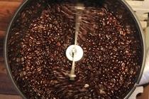 焼きたての新鮮な珈琲豆です
