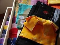 32. 女性用の選べる色浴衣の一例