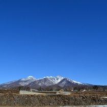 抜けるような青空の事を【八ヶ岳ブルー】と言います!