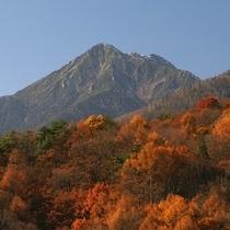 秋の常念岳