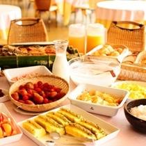 ■ホテルでお食事♪■ ご朝食はホテルでのお食事になります。バイキングでない日程もございます。
