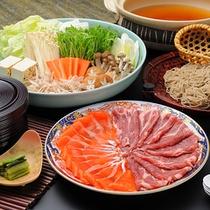■お部屋でお食事♪ケータリング例■ 信州贅沢鍋。信州の贅沢が集合♪アツアツで召し上がれ♪