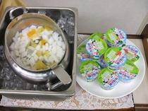 朝食メニュー(杏仁豆腐・ヨーグルト)