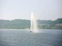 高さ70M吹きあがる柴山潟大噴水
