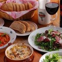 素材の味を生かした欧風田舎料理です。野菜を多く出すよう心がけています。(写真は一例です)