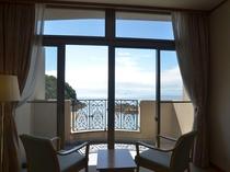 海を眺めながらのんびりお過ごしください。