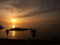 当館前の五島灘に沈む夕日は絶景です