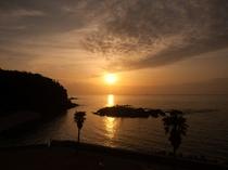 五島灘に沈む夕日は絶景です。