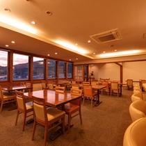 """*レストラン7F(La Cuisine """"Uwakai""""Tsukasa 司)/八幡浜港が一望できる当ホテル自慢のレストラン。"""