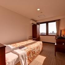 *シングル(客室一例)/一人旅やビジネスでのご宿泊に◎全室有線ブロードバンドLANを設置。