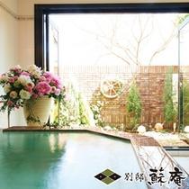 【メゾネット洋館風】〜浪漫館(ROMANKAN)〜客室半露天風呂