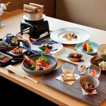 北海道の旬を味わえる和食膳。御飯は目の前の釜炊きでご用意
