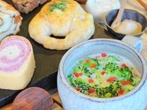 【ご朝食】パンとの相性抜群!日替わりの野菜中心の具沢山スープ♪