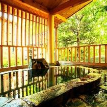 露天風呂客室の露天風呂