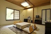 湖の間・一階の和室12畳最大5名様まで宿泊可能です。