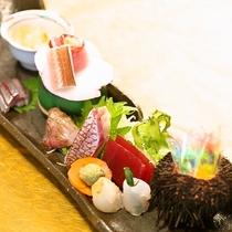 【夕食一例】旬の海の幸がずらり♪