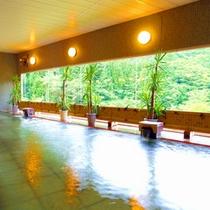 【やわらぎの湯】温泉は、源泉から24時間絶え間なく送られています。