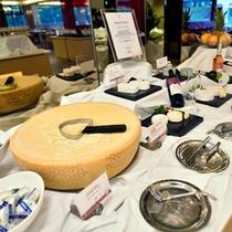 *お食事一例/ワインと合うチーズも各種。