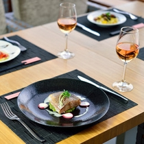 *お食事一例/ごゆっくりお食事をお愉しみ下さい。