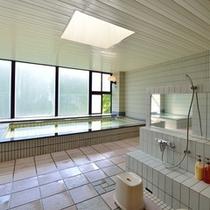 *大浴場/洗い場も広々。冷えた身体を温めて頂けます。