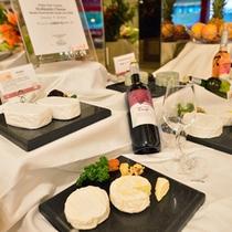 *お食事一例/カマンベールチーズに当館お勧めのワインを添えて。