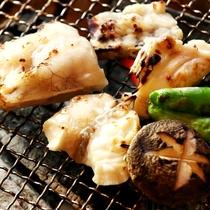 【焼きフグ】豊後水道でもまれたフグや地魚は身が締まり、美味さも別格です