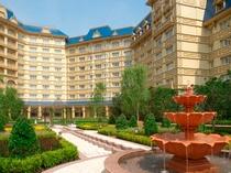 宿泊ゲスト限定!ヴィクトリア朝様式の美しい「シャーウッド・ガーデン」