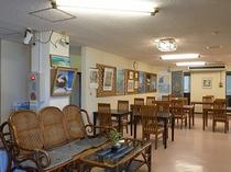 フロント&食堂です。