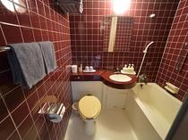 お部屋はバストイレ付きです