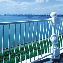■バルコニーから望む海側の景観