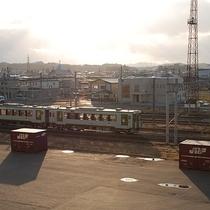 【眺め】館内から電車が眺められるます